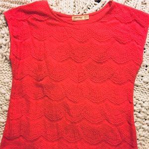 Cap sleeve lace overlay tee